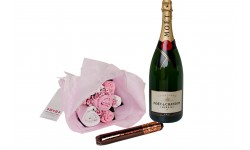 Bubbles and Bouquet Pink Gift Set