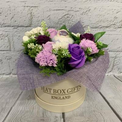 Luxury Soap Flowers and Vegan Bath Bomb White Hat Box