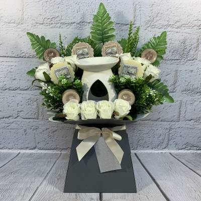 Yankee Candle Burner Candles and Ivory Roses Bouquet