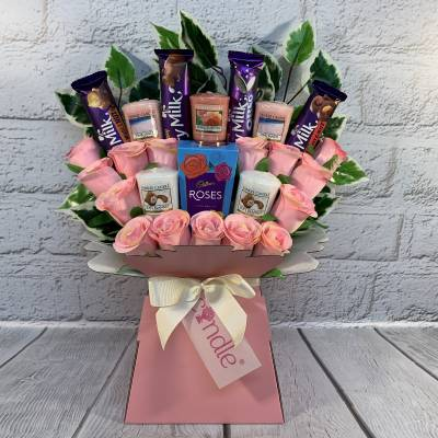 Yankee Candle, Lindor and Pink Roses Bouquet