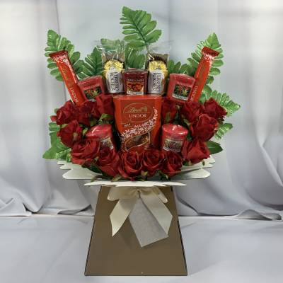 Yankee Candle and Roses Lindor and Ferrero Bouquet
