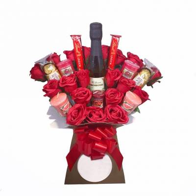 Red Yankee Candle and Prosecco Chocolate Bouquet
