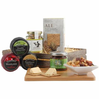 The Classic Cheese and Crackers Hamper