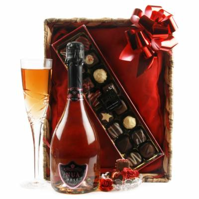 Valentines Day Rose Prosecco and Chocolates Gift Set