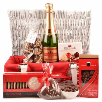 Cupids Luxury Hamper - Funkyhampers Gifts