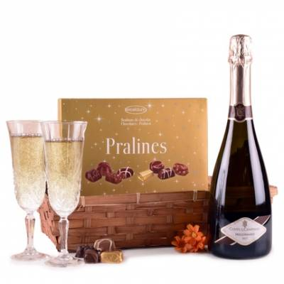 The Bubbles and Chocolates Hamper