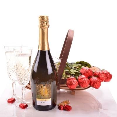 The Fizz and Chocolate Roses Gift