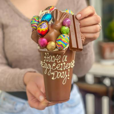 Funky Easter Chocolate Smash Cup