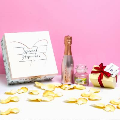 Special Keepsakes Prosecco, Yankee Candle and Chocolate Box