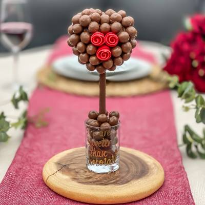 Malteser Chocolate Heart Rose Tree 25cm - Anniversary Gifts