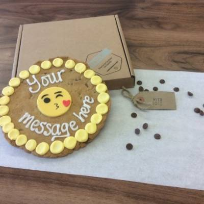 Personalised Giant Kissing Emoji Cookie