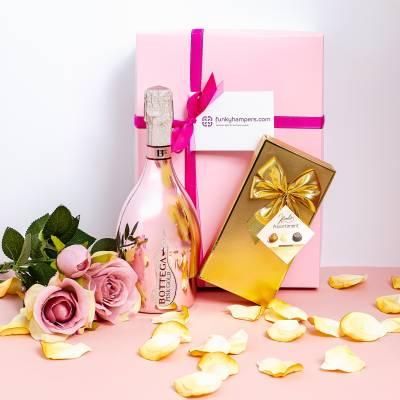 Pink Prosecco and Belgian Chocolates Hamper