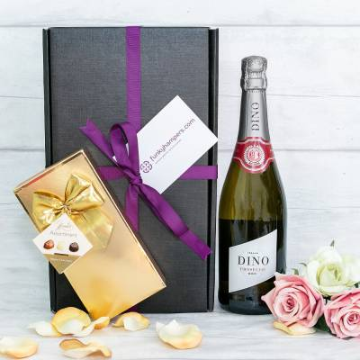 Prosecco and Belgian Chocolates Hamper