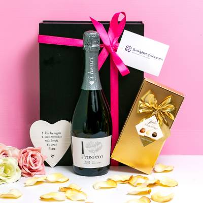 Friends Prosecco and Belgian Chocolates Hamper