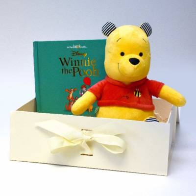 Winnie the Pooh Personalised Story and Toy Gift Set