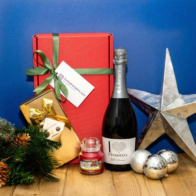 Christmas Yankee Candle, Prosecco and Chocolates Hamper