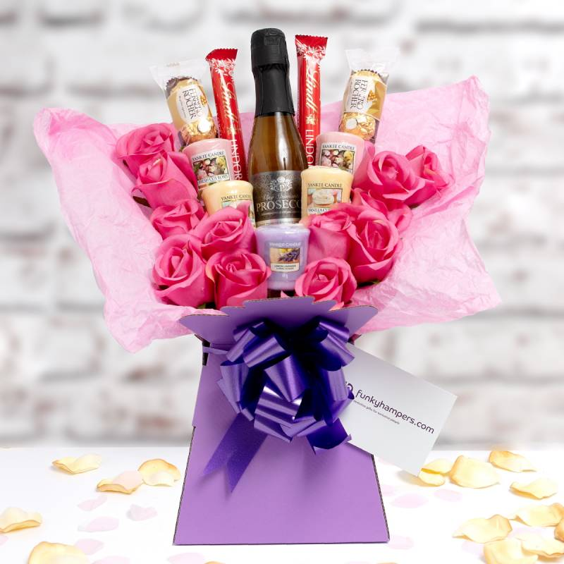 Yankee Candle, Prosecco and Pink Roses Chocolate Bouquet