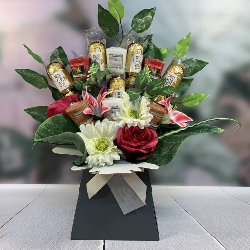 Yankee Candle Flowers and Chocs Bouquet