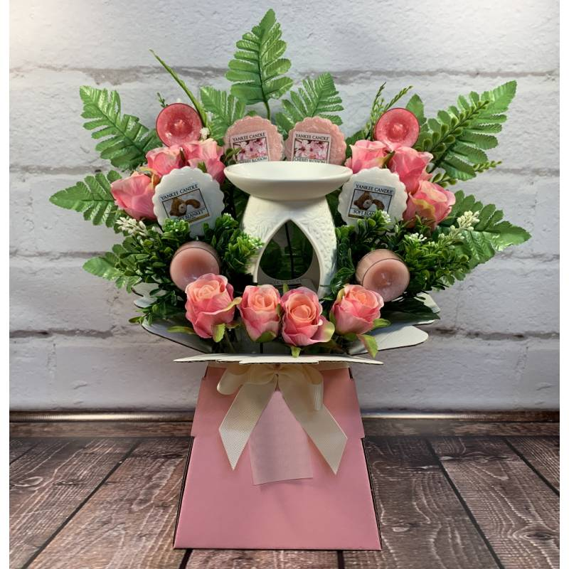 Yankee Candle Burner Candles and Pink Roses Bouquet