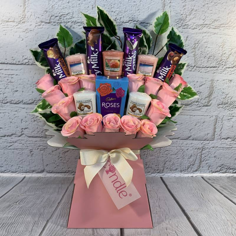 Yankee Candle, Cadbury and Pink Roses Bouquet