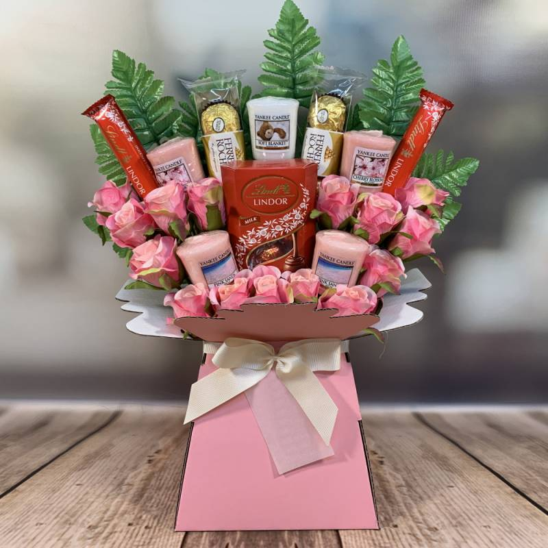Yankee Candle Lindor and Ferrero and Pink Roses Bouquet