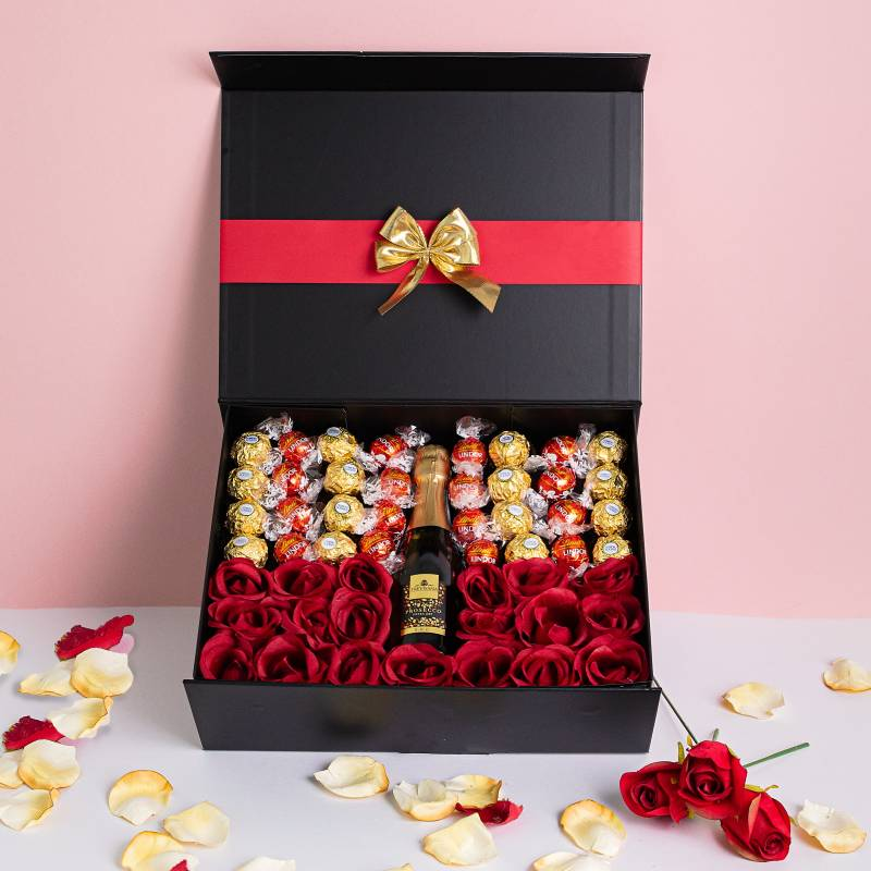 Luxury Prosecco Hamper with Red Roses and Chocolates