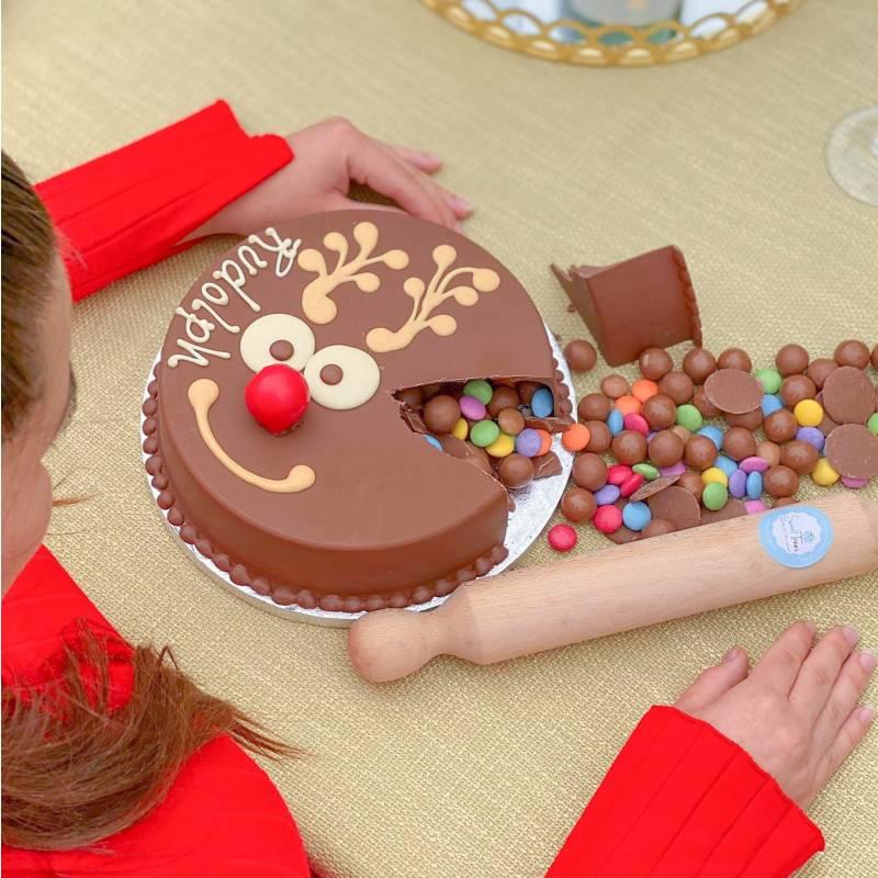 Chocolate Reindeer Smash Cake