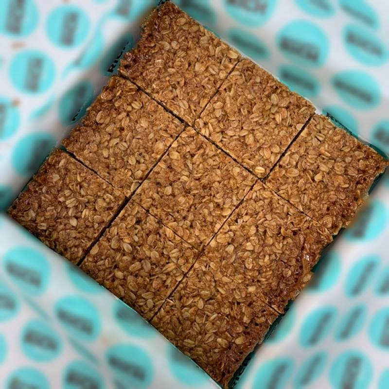 Sticky Toffee Flapjack Box